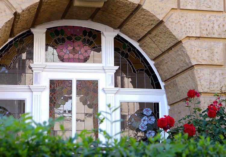 Stolarka okienna i drzwiowa od jednego producenta – dlaczego warto?